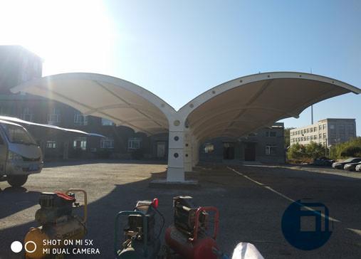 襄阳停车棚膜结构-辽宁棚膜结构停车棚